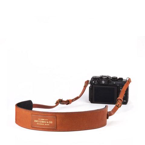 alça para câmera de couro caramelo da escudero