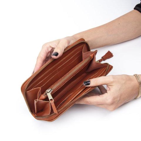 carteira feminina saffi de couro caramelo da escudero