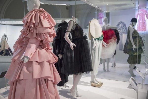 Cristóbal Balenciaga exposição Shaping Fashion no Victoria & Albert Museum