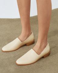 loafer-chiara-creme-escudero-couro-06-lookbook-web